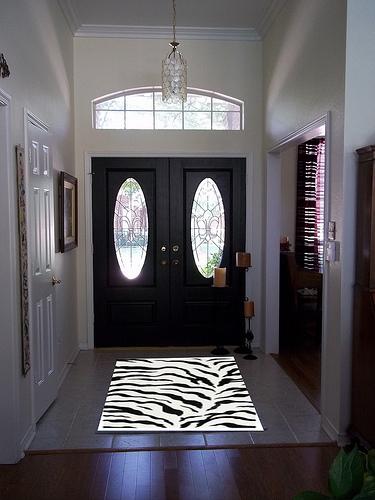 entry with zebra