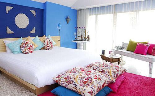 cobalt blue hot pink - burasari resort