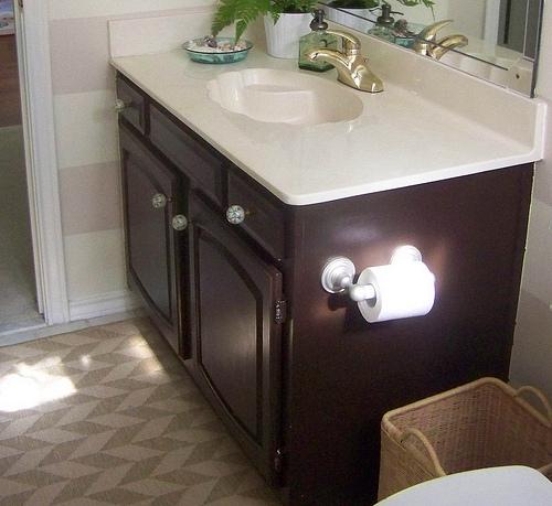 pizz azz framing a bathroom mirror hi sugarplum