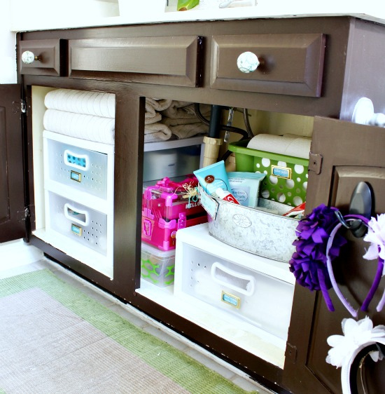 organized bathroom cabinets organized master bathroom cabinet hi sugarplum 13862