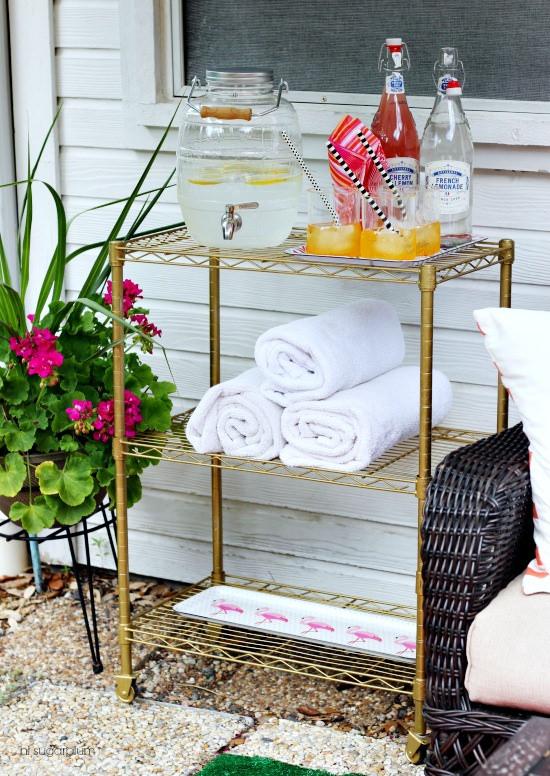 Awesome {DIY} Outdoor Bar Cart