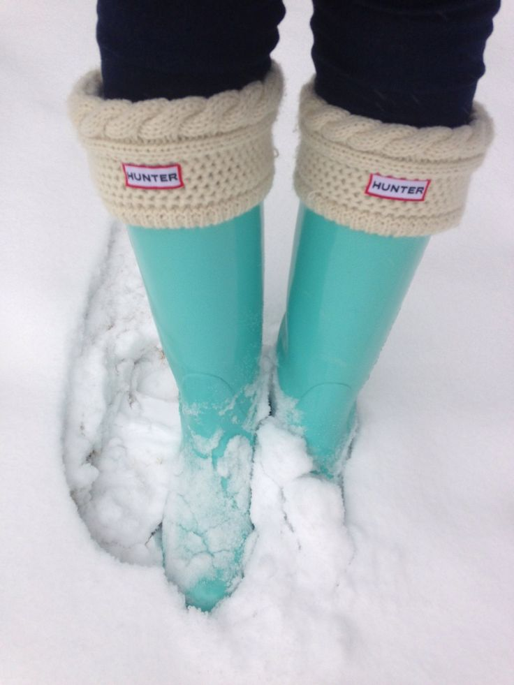 And the sock is all you'll feel on your foot anyway, right?! So why not  pair a no-brand rain boot with the cozy Hunter socks??? Bam! Look for Less! - Look For Less} Hunter Wellies Hi Sugarplum!