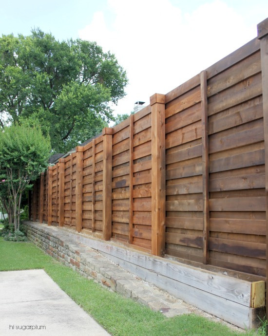 The Backyard A New Horizontal Fence Hi Sugarplum