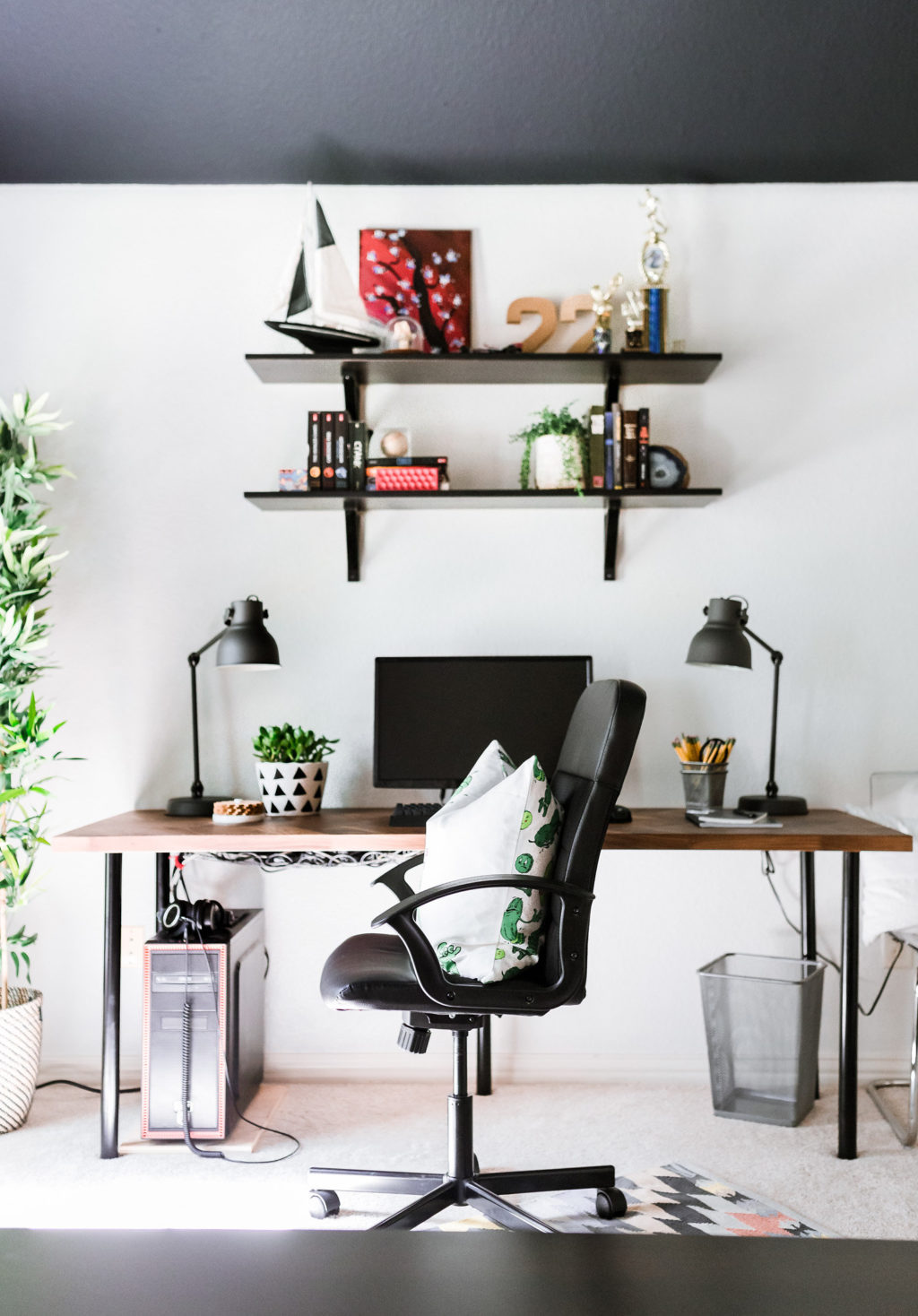 Do It Yourself Home Design: A Teenage Space For Work & Play
